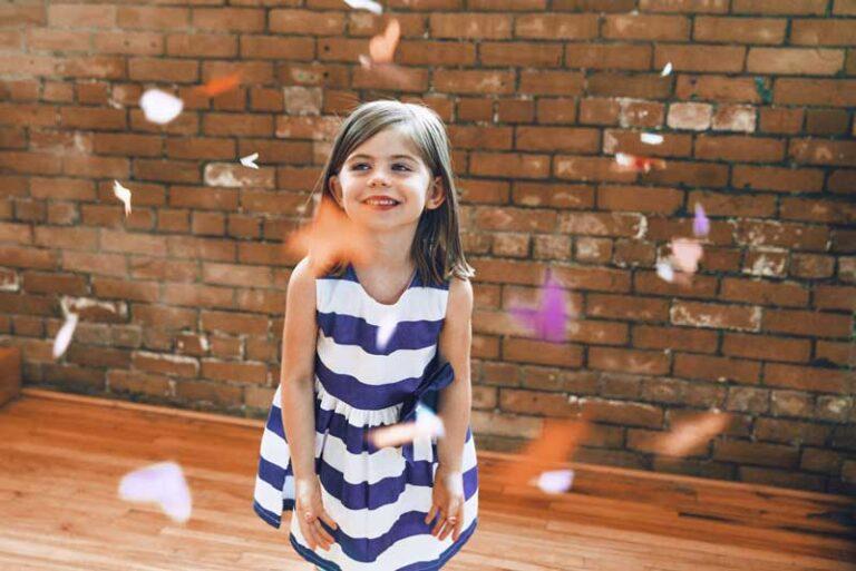 Cum să-ți îmbraci fetița pentru ocazii speciale? 5 modele de rochii elegante